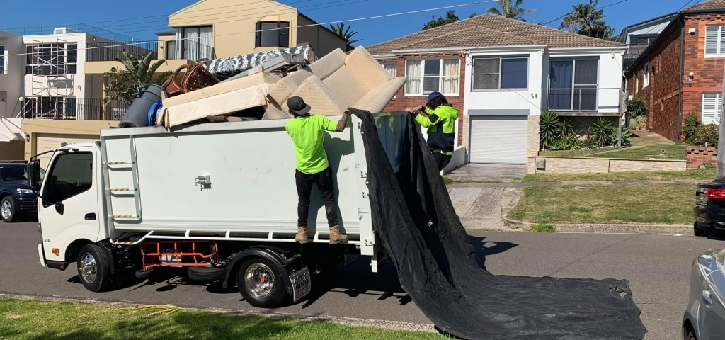 2 men and a removal truck